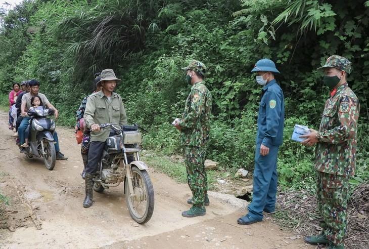 Biên phòng Điện Biên vừa chống dịch vừa giữ vững biên cương - ảnh 17