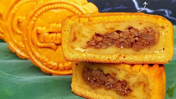 Unique moon cakes hit market ahead of Full Moon Festival - ảnh 10
