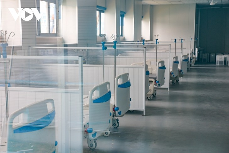 Inside largest field hospital in Hanoi for COVID-19 treatment - ảnh 7