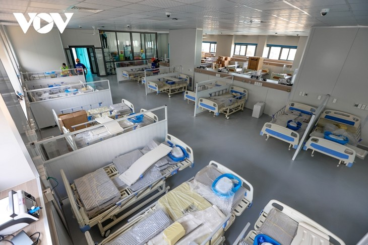 Inside largest field hospital in Hanoi for COVID-19 treatment - ảnh 9