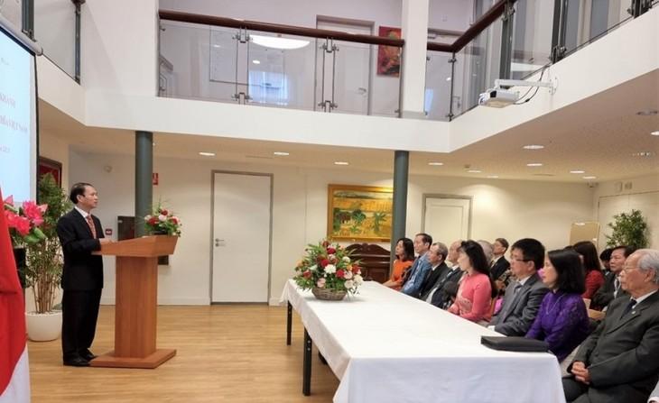 Kỷ niệm Quốc khánh và họp Ban chấp hành lâm thời Hội người Việt Nam tại Hà Lan - ảnh 2