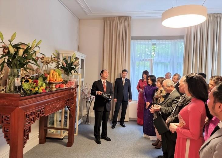 Kỷ niệm Quốc khánh và họp Ban chấp hành lâm thời Hội người Việt Nam tại Hà Lan - ảnh 3