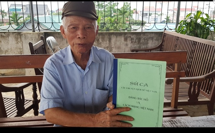 Old farmer builds Uncle Ho memorial house  - ảnh 1