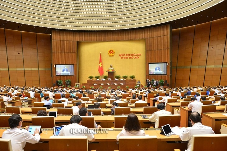National Assembly approves pilot special mechanisms for Hanoi, tax reduction for businesses - ảnh 1