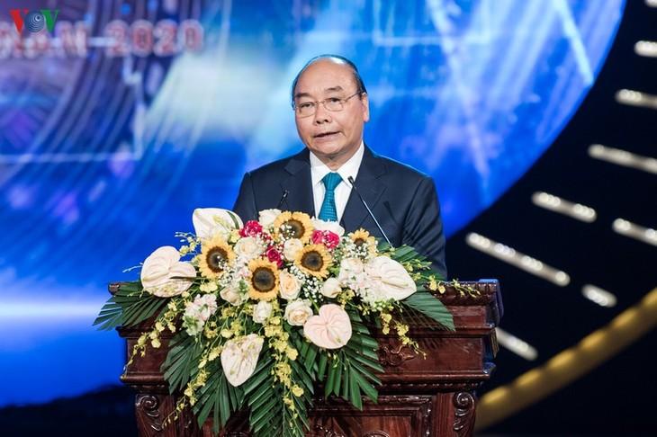 PM urges Vietnamese press to continue upholding revolutionary spirit - ảnh 1