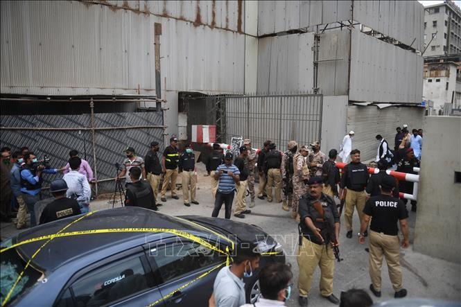 Gunmen attack Pakistani stock exchange - ảnh 1