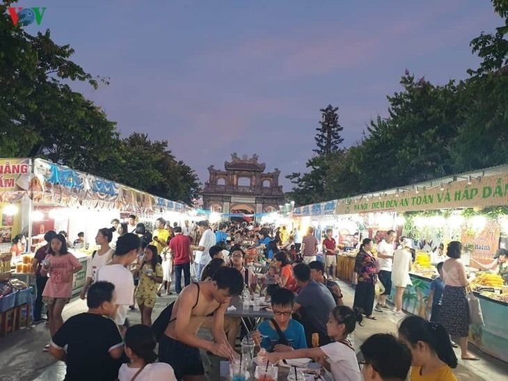 Quang Ninh Food Festival opens to promote tourism after COVID-19 - ảnh 1