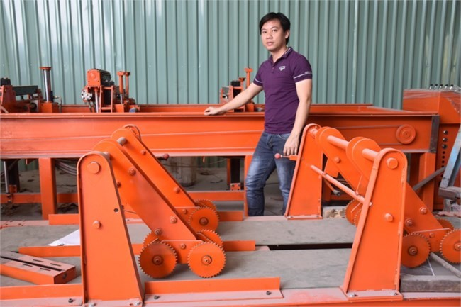 Young inventor passionate about engineering research - ảnh 1
