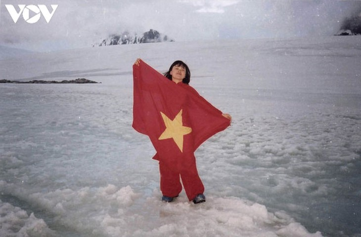 First Vietnamese to visit Antarctica and her effort to fight climate change - ảnh 1
