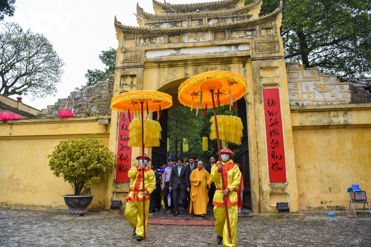 Thang Long relic site sees reenactment of traditional Tet rituals - ảnh 5