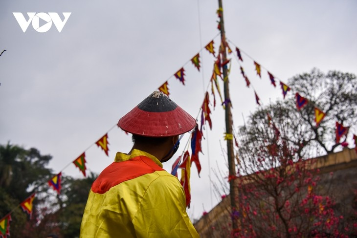 Thang Long relic site sees reenactment of traditional Tet rituals - ảnh 9