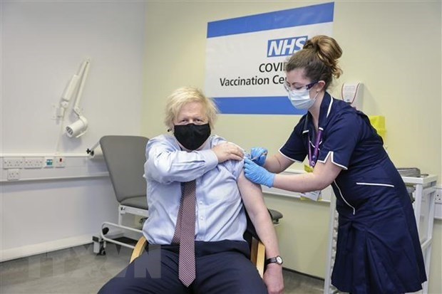 UK wants deal with G7 on vaccine passports - ảnh 1