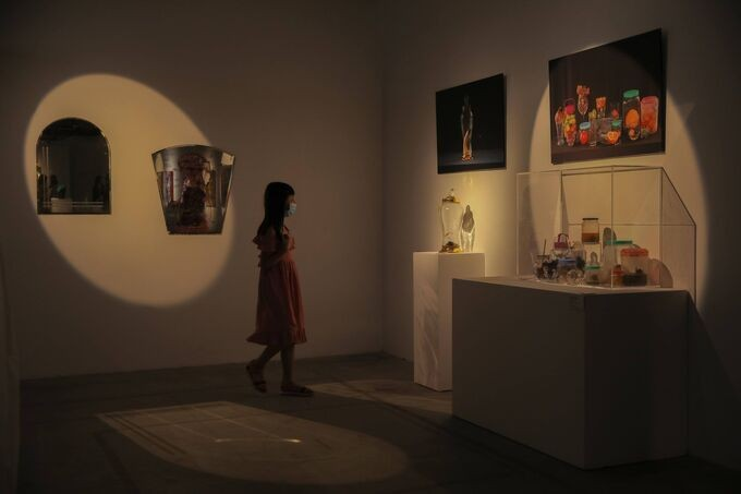 Exhibition explores how younger generation perceives life - ảnh 1