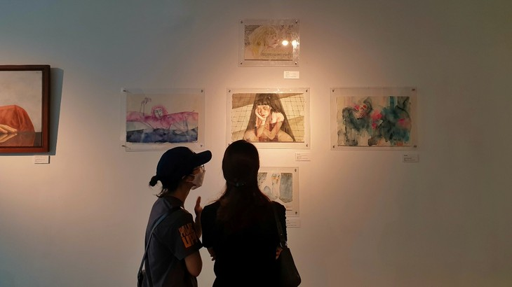 Exhibition explores how younger generation perceives life - ảnh 2