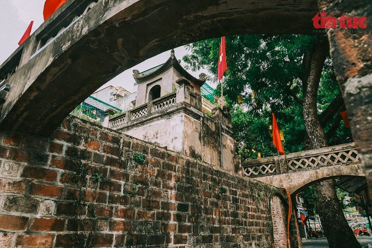 Quan Chuong Gate stands the test of time - ảnh 3
