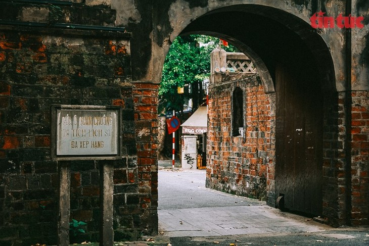 Quan Chuong Gate stands the test of time - ảnh 4