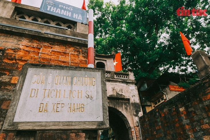 Quan Chuong Gate stands the test of time - ảnh 6