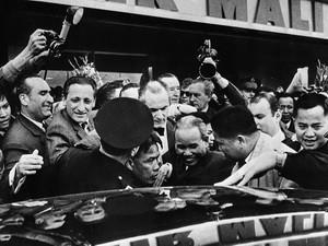 Kỷ niệm 70 năm chiến thắng Stalingrad và 40 năm ký Hiệp định Paris - ảnh 1