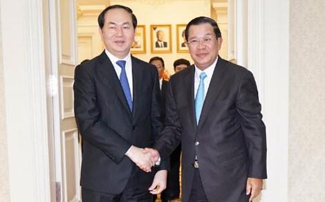 Việt Nam và Campuchia nhất trí hợp tác chặt chẽ chống phá mọi thế lực thù địch - ảnh 1