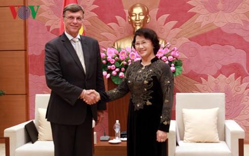 Chủ tịch Quốc hội tiếp Đại sứ Trung Quốc và Đại sứ Australia - ảnh 2