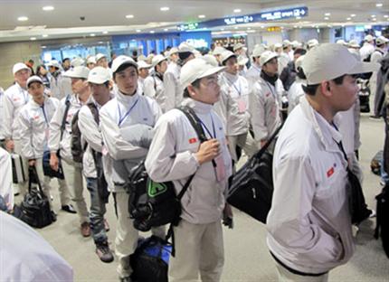Công đoàn bảo vệ người lao động đi làm việc ở nước ngoài  - ảnh 1