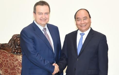 Thủ tướng Nguyễn Xuân Phúc tiếp Phó Thủ tướng thứ nhất, Bộ trưởng Ngoại giao Serbia - ảnh 1