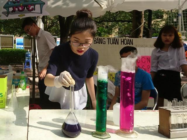 Ngày hội STEM 2018: Học sinh hào hứng tham gia hoạt động trải nhiệm, sáng tạo - ảnh 1
