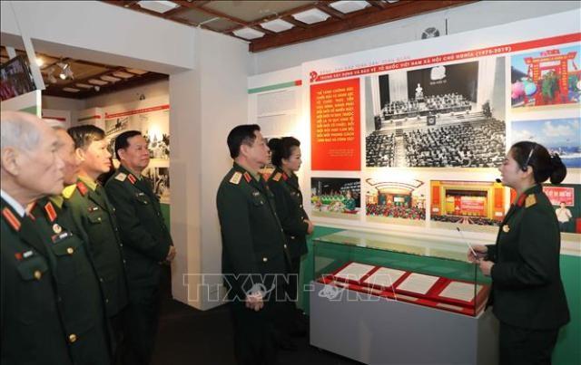 """Triển lãm chuyên đề """"Đảng Cộng sản Việt Nam ra đời - Bước ngoặt của cách mạng Việt Nam"""" - ảnh 1"""