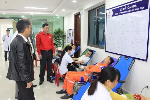Dịch viêm đường hô hấp cấp COVID-19 (nCoV): Ninh Bình tổ chức đợt hiến máu tình nguyện đặc biệt - ảnh 1