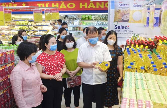 Các siêu thị tăng lượng hàng hóa lên gấp 2-3 lần - ảnh 1