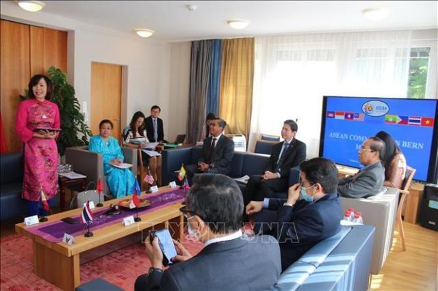 53 năm thành lập ASEAN: Đại sứ quán Việt Nam tại Thụy Sĩ chủ trì cuộc họp đầu tiên của Ủy ban ASEAN tại Bern - ảnh 1