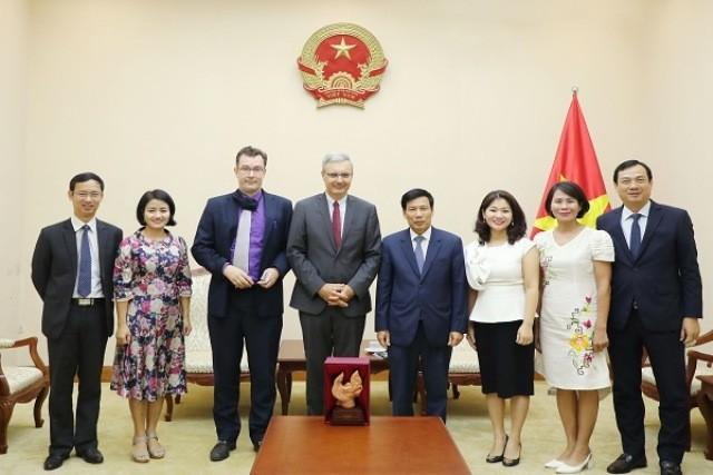 Pháp mong muốn tăng cường hợp tác với Việt Nam trong lĩnh vực thể thao      - ảnh 1