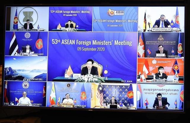 AMM 53: Campuchia đánh giá cao sáng kiến FOA của Việt Nam, đề nghị sớm mở hành lang đi lại kinh doanh nội khối - ảnh 1