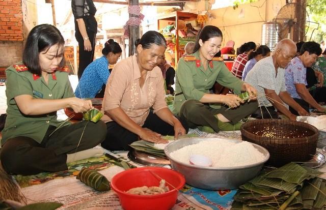 Lãnh đạo tỉnh An Giang chúc mừng nhân dịp lễ Sen Dolta - ảnh 1