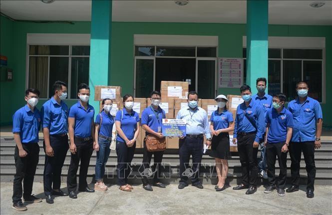 Tuổi trẻ Đà Nẵng trao hàng ngàn suất quà tặng bệnh nhân nghèo  - ảnh 1