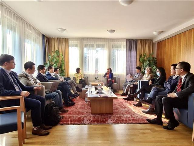 Ra mắt Hội nhịp cầu kinh doanh Việt Nam - Thụy Sĩ    - ảnh 1