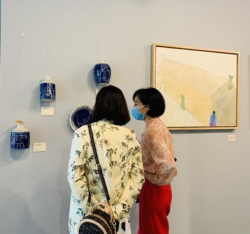 """Khai mạc triển lãm tranh """"Về bến lạ"""": hội họa cảm hứng từ thi ca - ảnh 2"""