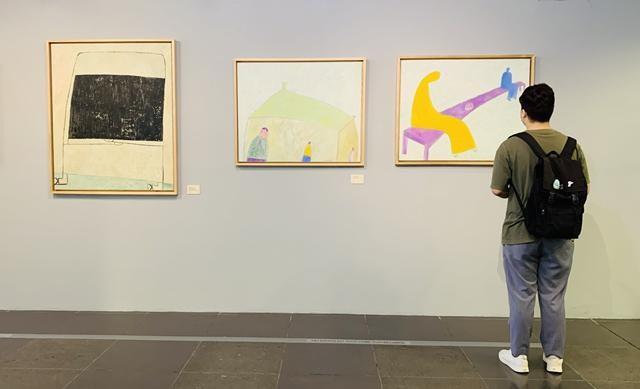 """Khai mạc triển lãm tranh """"Về bến lạ"""": hội họa cảm hứng từ thi ca - ảnh 1"""