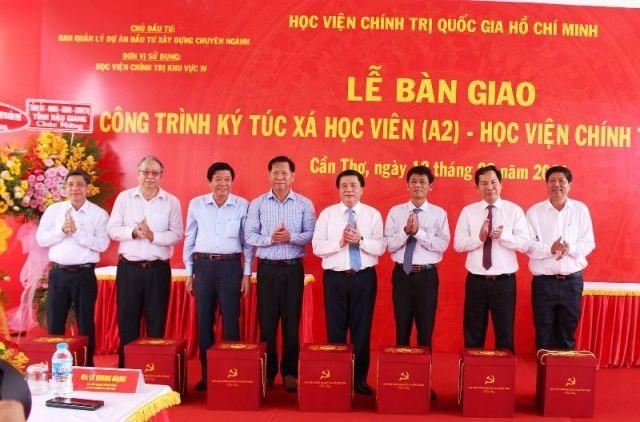 Giáo sư, Tiến sỹ Nguyễn Xuân Thắng, Giám đốc Học viện Chính trị quốc gia HCM phát động chương trình trồng 1 tỷ cây xanh - ảnh 1