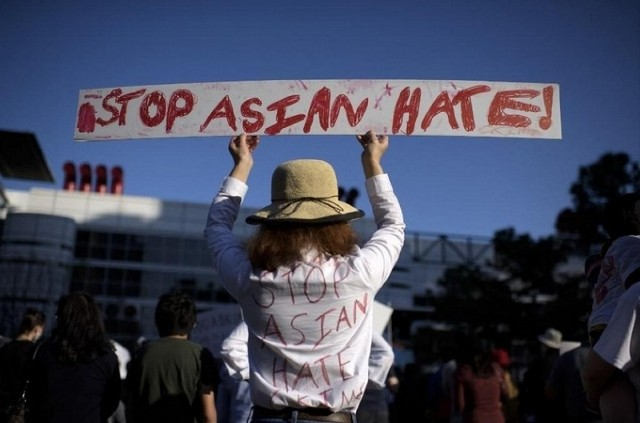Bộ Ngoại giao Việt Nam lên tiếng về nạn kỳ thị người gốc Á ở một số nước - ảnh 1