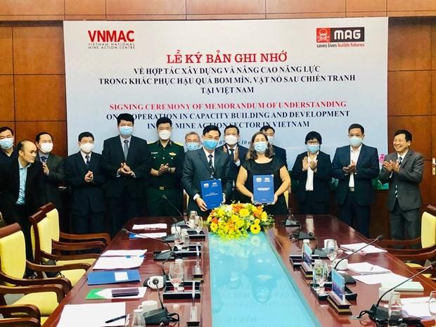 Hợp tác nâng cao năng lực khắc phục hậu quả bom mìn, vật nổ sau chiến tranh tại Việt Nam - ảnh 1