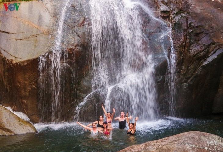 Vùng cao Quảng Ninh thu hút du khách trải nghiệm trong mùa thu - ảnh 10