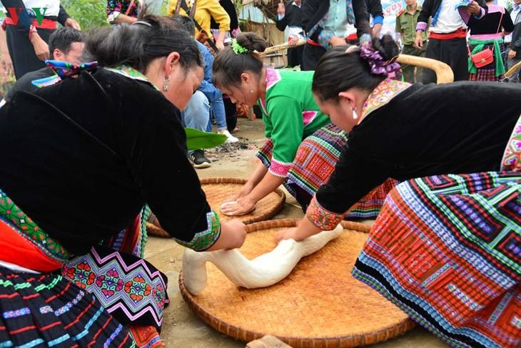 Bánh giầy trong đời sống đồng bào Mông Tây Bắc - ảnh 9