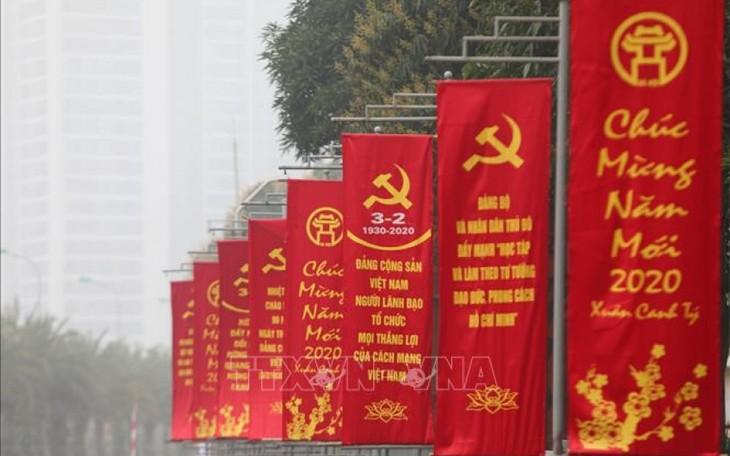 Hà Nội rực rỡ cờ, hoa mừng 90 năm Ngày thành lập Đảng - ảnh 1