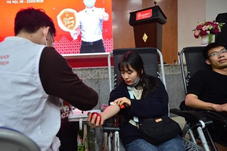 Khan hiếm máu do dịch corona, dân Hà Nội kéo nhau đi hiến máu - ảnh 4