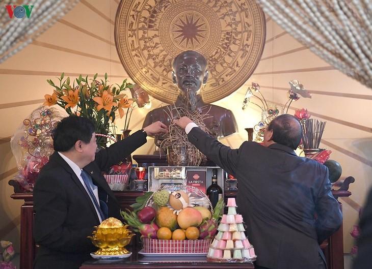 Hình ảnh: Thủ tướng Nguyễn Xuân Phúc thăm và làm việc với VOV - ảnh 2