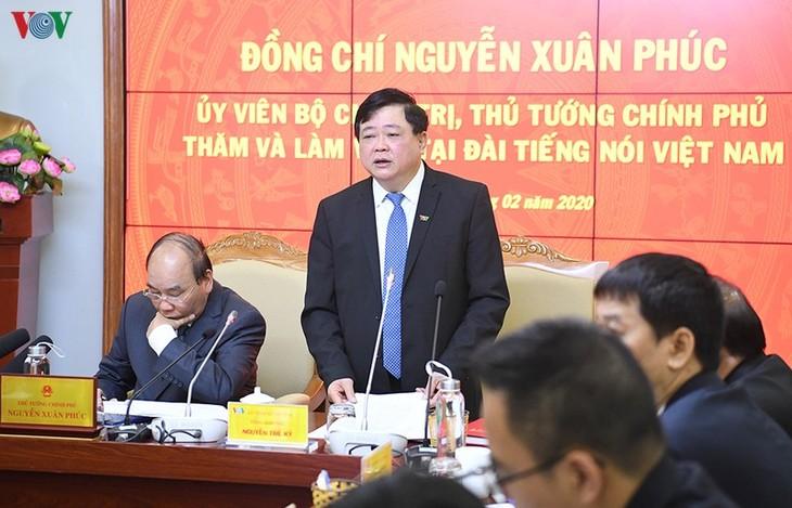 Hình ảnh: Thủ tướng Nguyễn Xuân Phúc thăm và làm việc với VOV - ảnh 15