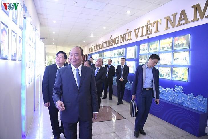 Hình ảnh: Thủ tướng Nguyễn Xuân Phúc thăm và làm việc với VOV - ảnh 3