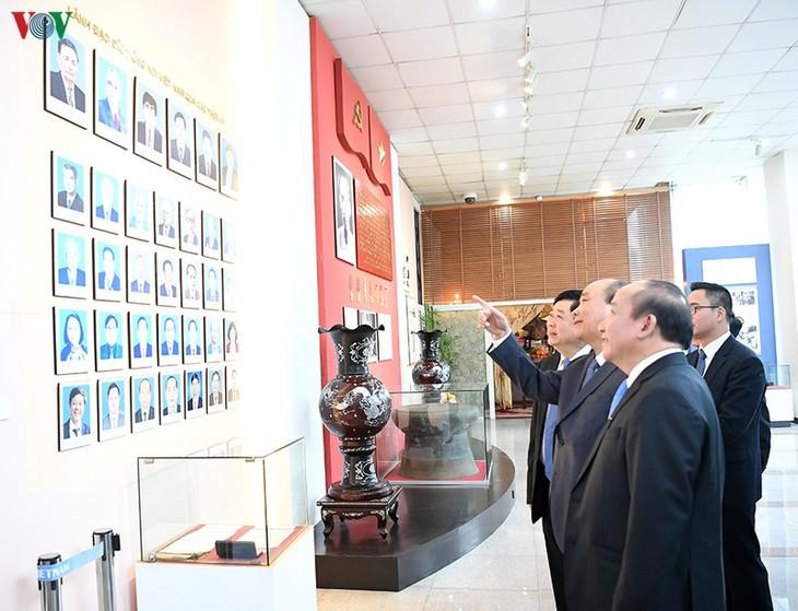 Hình ảnh: Thủ tướng Nguyễn Xuân Phúc thăm và làm việc với VOV - ảnh 7