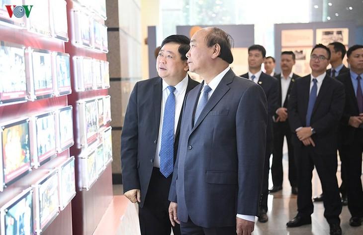 Hình ảnh: Thủ tướng Nguyễn Xuân Phúc thăm và làm việc với VOV - ảnh 8